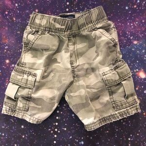 Children's Place Camouflage Shorts Cargo Size 2T